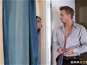 hefty breasted Ava Addams cheats in the douche