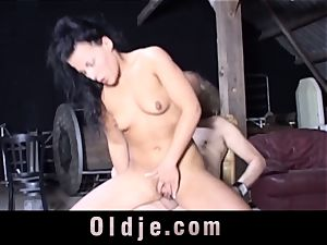 Nataly Lancaster invites old decrepit to buttfuck plumb her