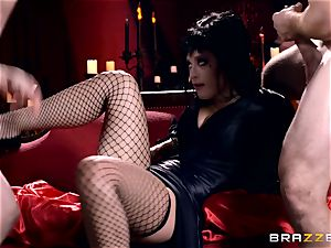 MMF romping for gothic babe Katrina Jade