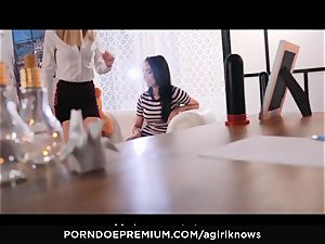 A chick KNOWS - Francys Belle luvs lesbian anal invasion play