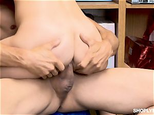 Gina Valentina and her stepsis pulverized by mallcop