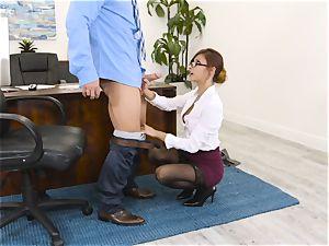 boss Jade Jantzen inhales and plows a gigantic dicked worker