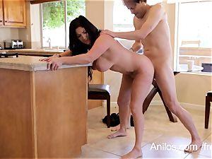 Mature wife craves a throatful of jizz