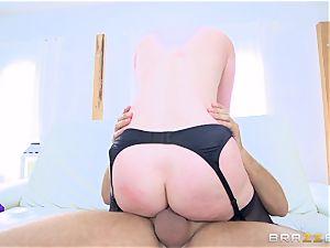 warm ass brunette Veruca James screwed in her bunghole